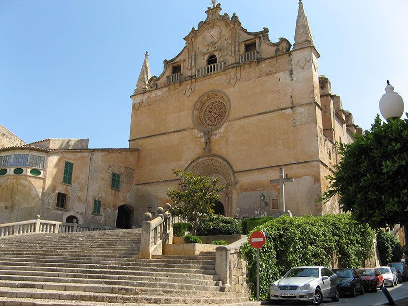 Eine der ältesten Kirchen Mallorcas: Sant Miguel (vor 1248) in Felanitx.