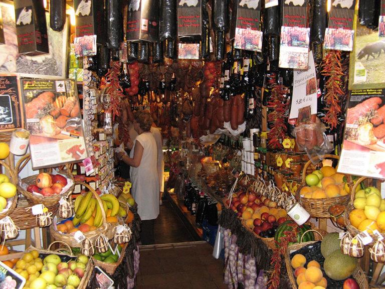 Ein Delikatessenladen in Palma