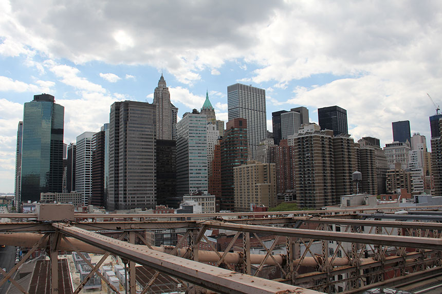 Manhattan von der Brooklyn Bridge