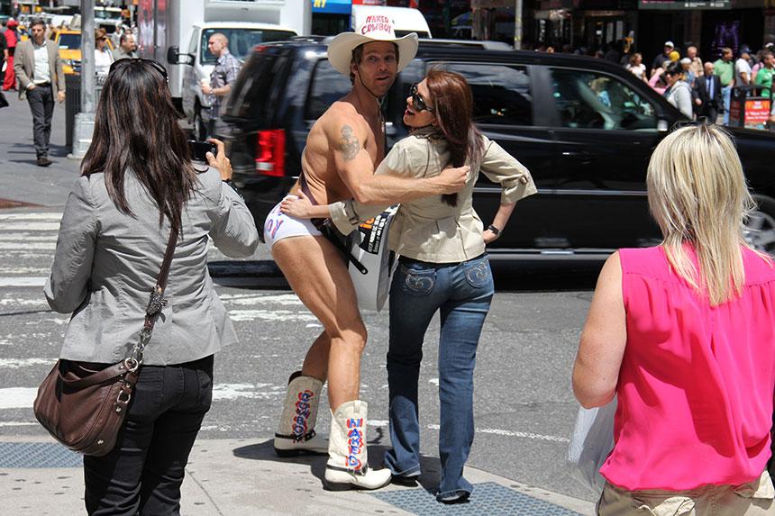 Der berühmte Naked Cowboy