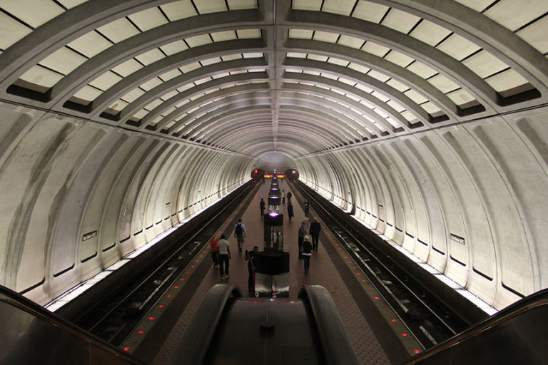 Eine der abgefahrenen U-Bahn Stationen in Washington DC