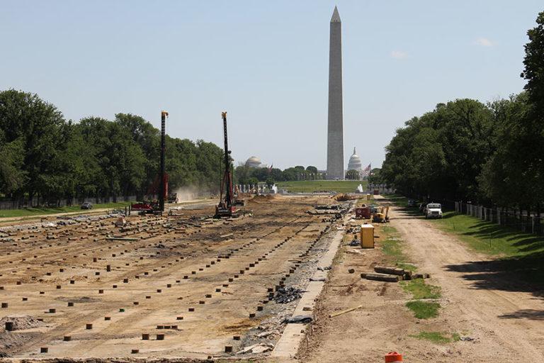 Baustelle des Reflecting Pool, Washington Monument und Capitol