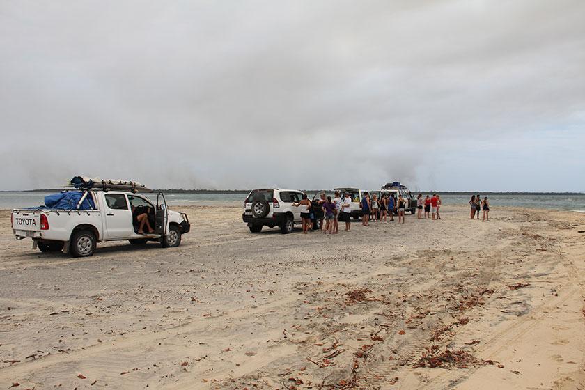 Warten auf die Fähre nach Fraser Island