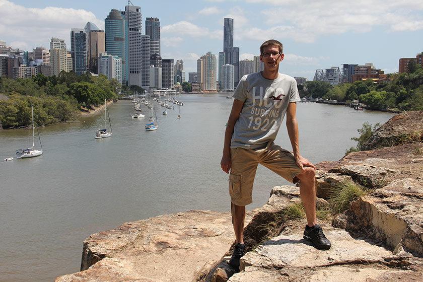 Gunnar vor Brisbanes schöner Skyline