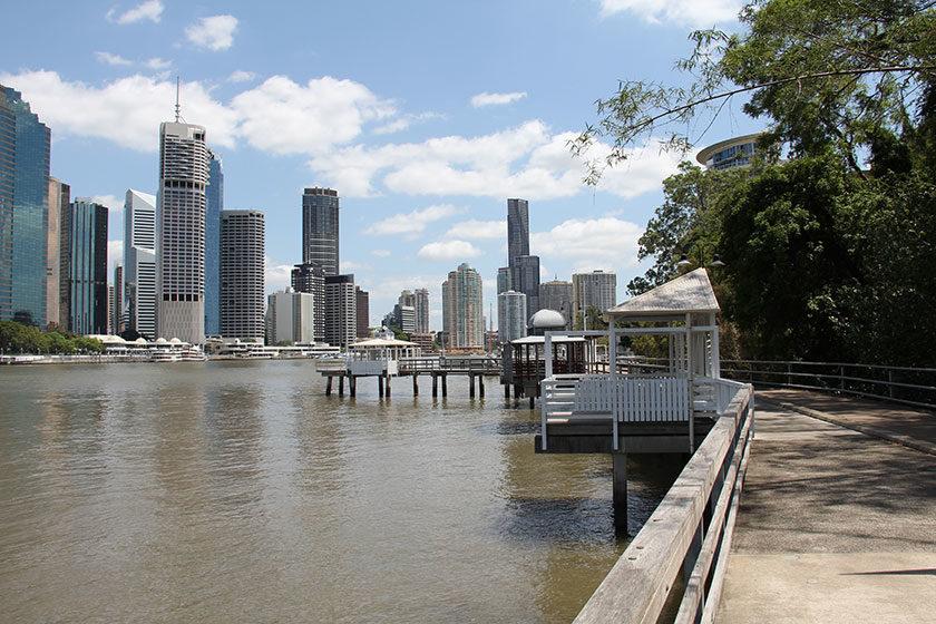 Der Fußweg entlang des Brisbane-River