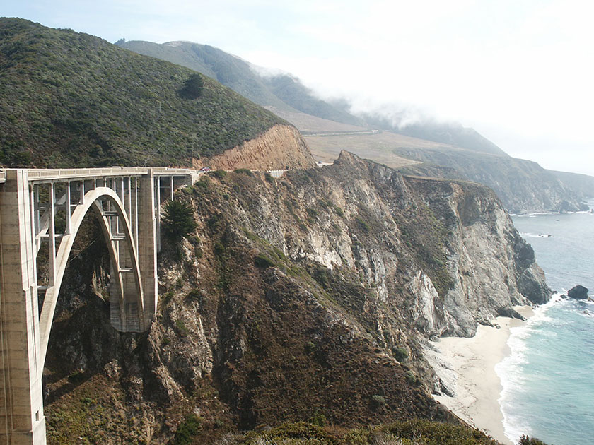 Die berühmte Bixby Creek Bridge in Big Sur