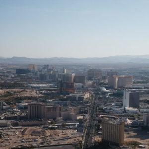 Las Vegas von oben am Tag