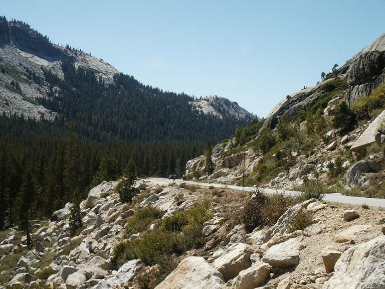 Der Weg zum Yosemite N.P. führt durch atemberaubende Landschaft