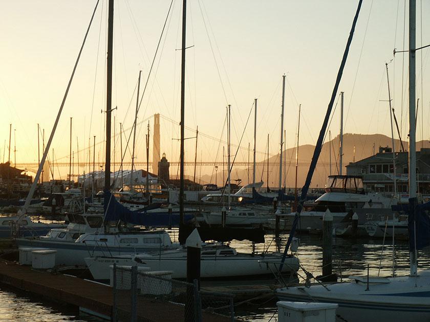 Die Golden Gate Bridge im Sonnenuntergang