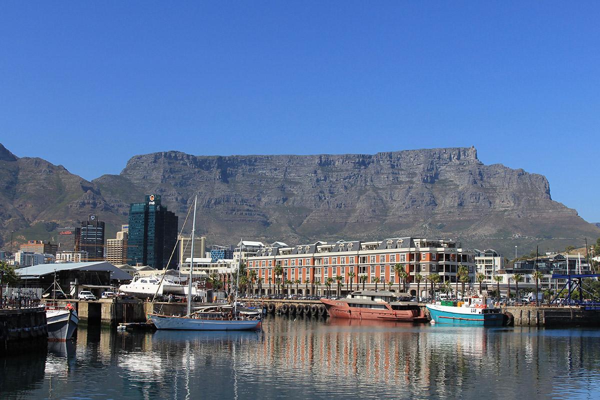 Waterfront - Blick auf den Tafelberg