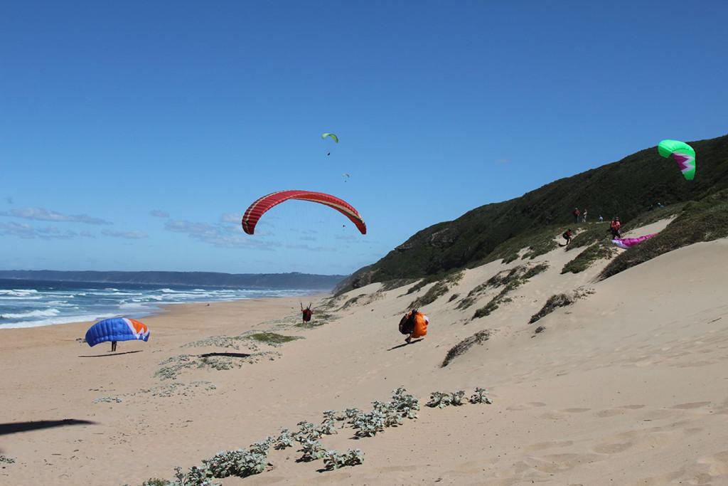Paraglider auf dem Weg nach Knysna