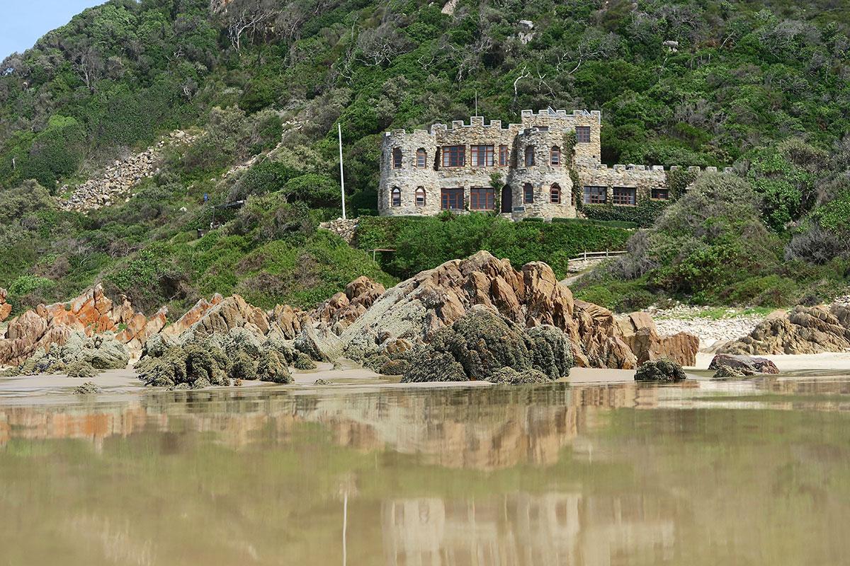 Die Burgen am Noetzie Beach