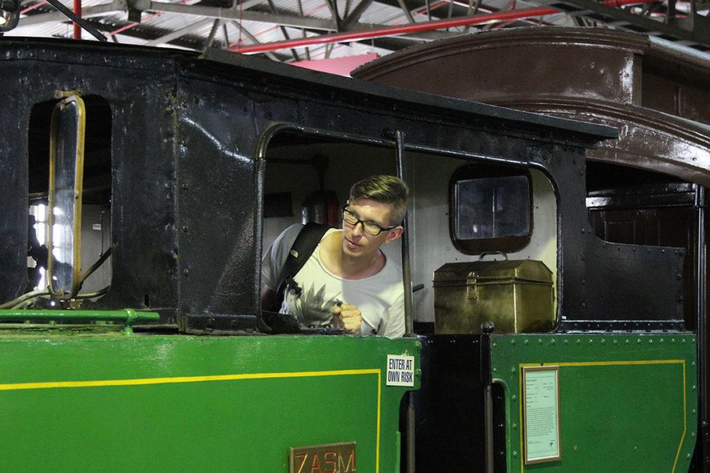 Gunnar in einem der Exponate