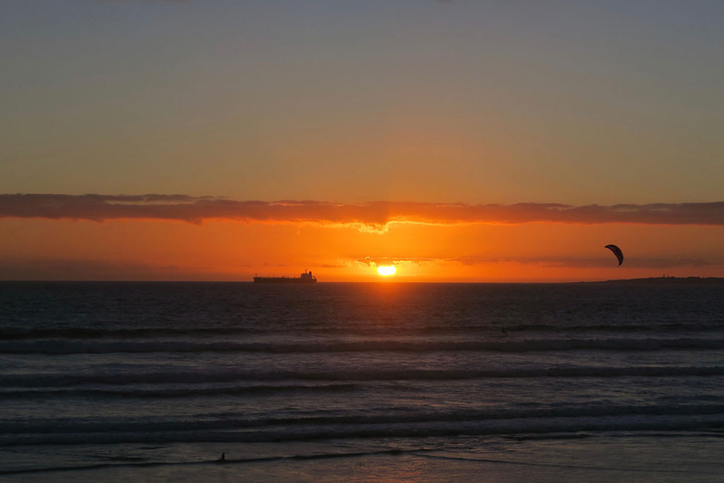 Sonnenuntergang am Bloubergstrand