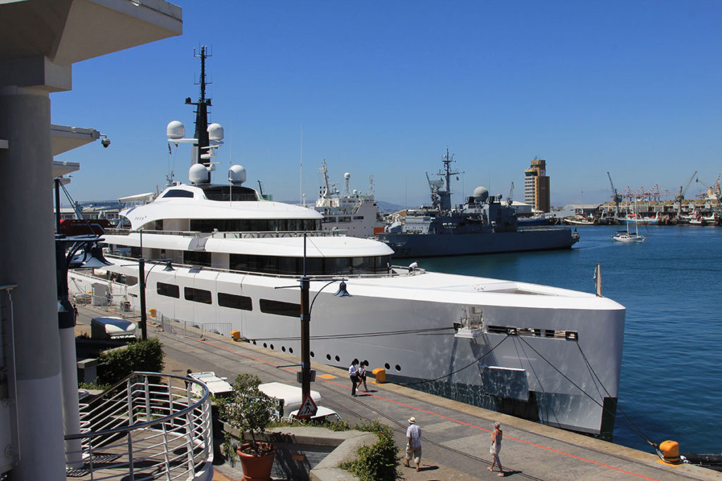 Luxus Yacht an der V&A Waterfront