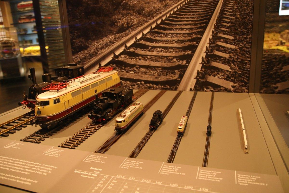 ...und kleine Eisenbahnen zu sehen