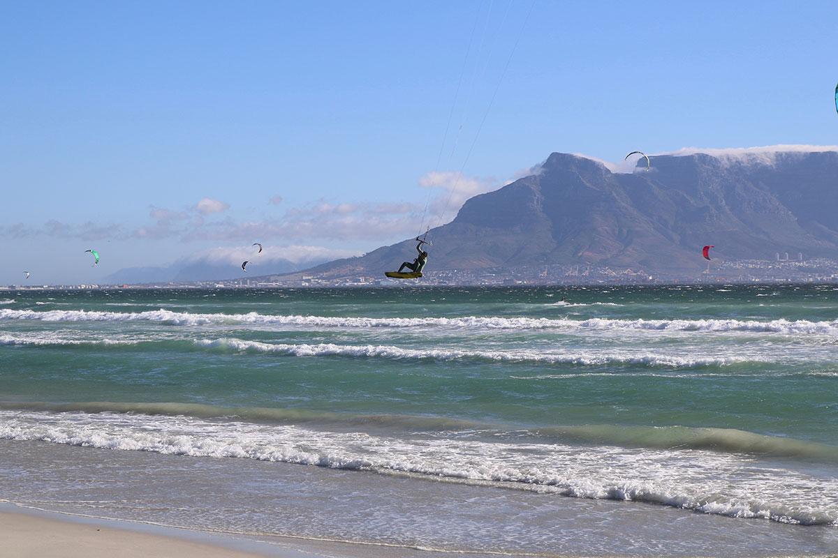 Kitesurfer in Bloubergstrand