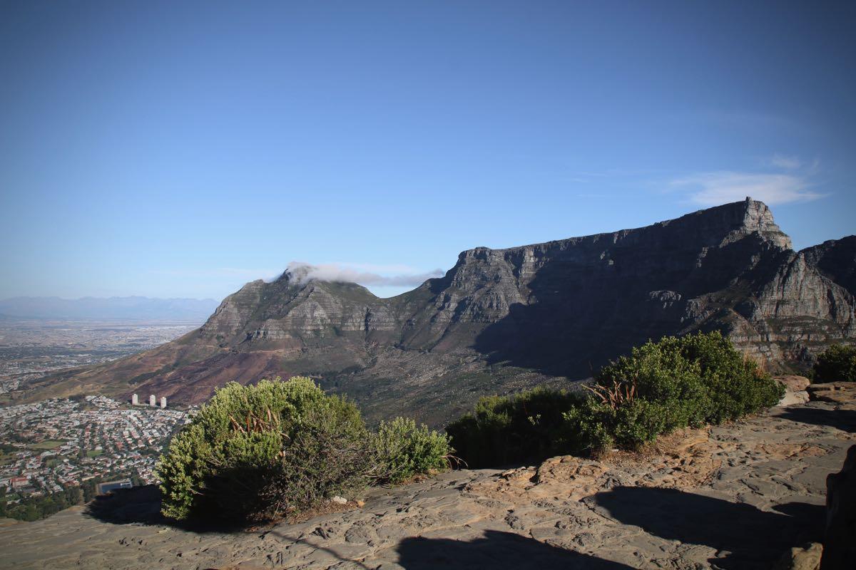 Der Tafelberg in Kapstadt vom Lions Head aus fotografiert