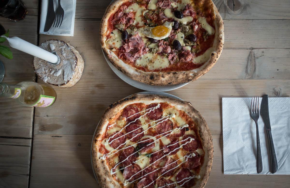 Beste Pizza im Restaurant Mother