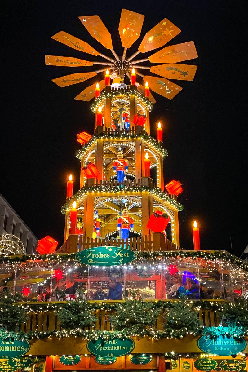 Die Weihnachtspyramide am Kröpcke