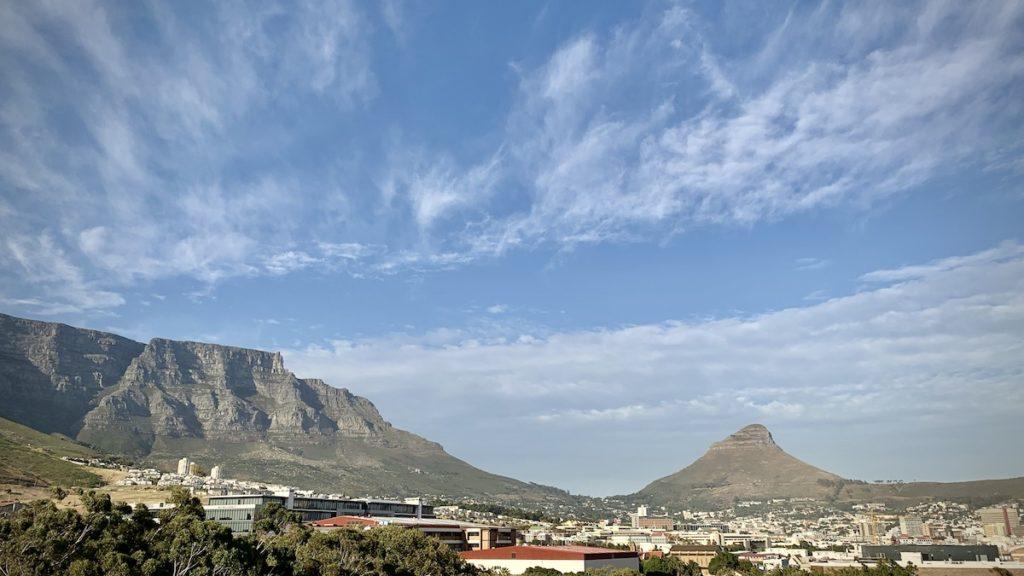 Blick von unserem Apartment auf Tafelberg und Lions Head