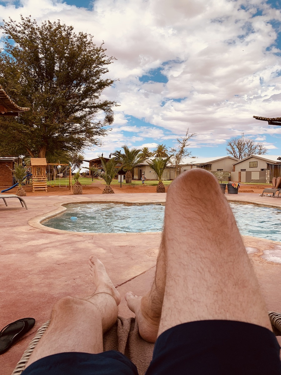 Namibia - Relaxen am Pool